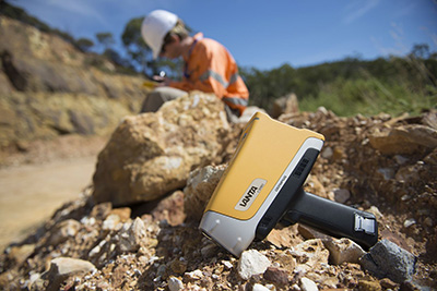Vanta portable XRF for immediate, on-site elemental measurements
