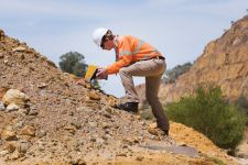 Portable XRF and XRD at the Mine Site
