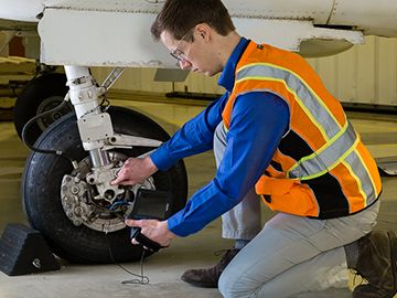 Using UT and PA in Aerospace Inspections