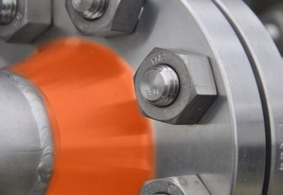 The phased array transducer can be placed on the angled section of the flange.